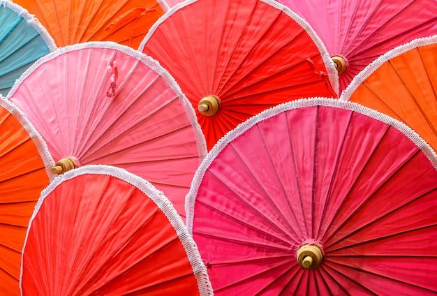 Традиционные тайские бамбуковые зонтики