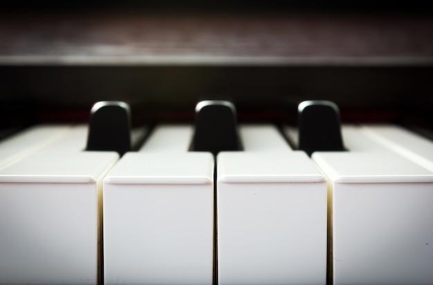 Макрофотография фортепианной клавиатуры
