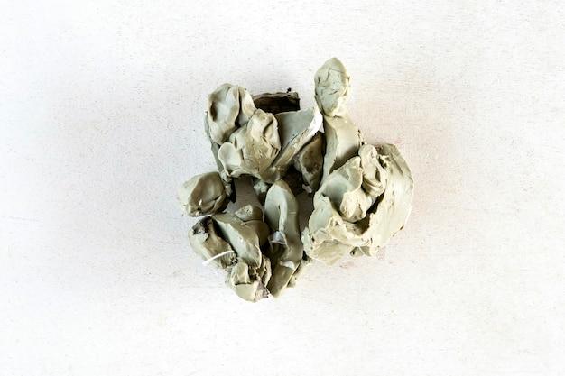 Скульптурная глина для создания скульптурной арт-модели. ручной и ремесленный объект.