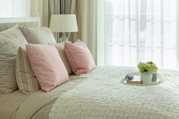 豪華な寝室のインテリア