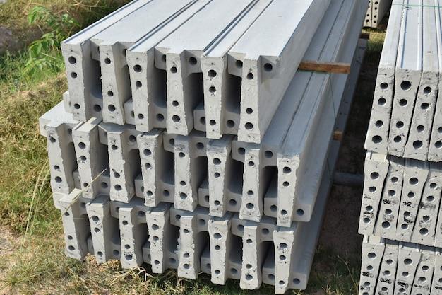 庭の板コンクリートスタッキング