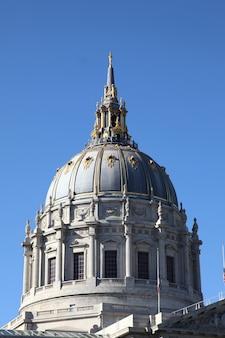 カリフォルニア州サンフランシスコ市庁舎