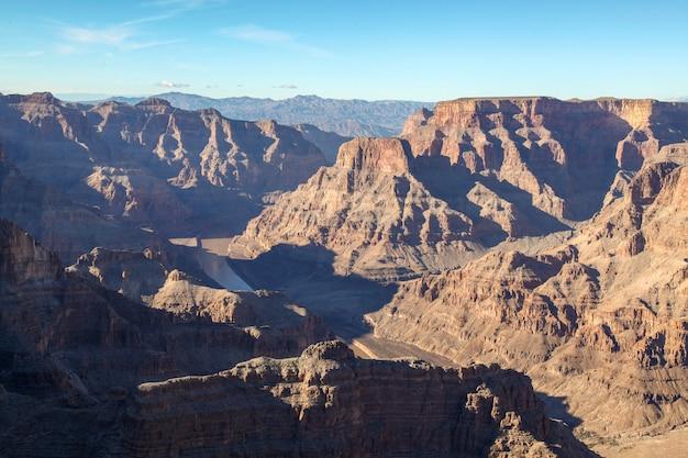 アメリカのグランドキャニオン国立公園の風景の眺め