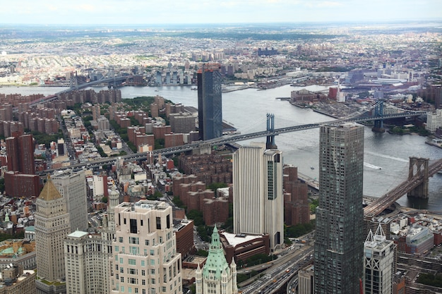 Вид с воздуха на город нью-йорк от одного здания мировой торговли