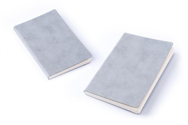 Серая кожа ноутбук изолирован на белом фоне