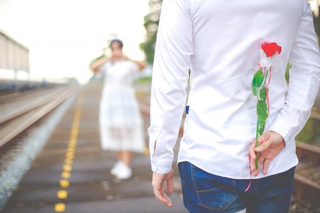 Романтическое свидание или свадьба или день святого валентина концепции.