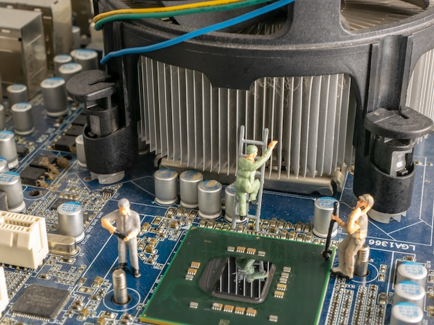 Поднимитесь на чистый вентилятор процессора