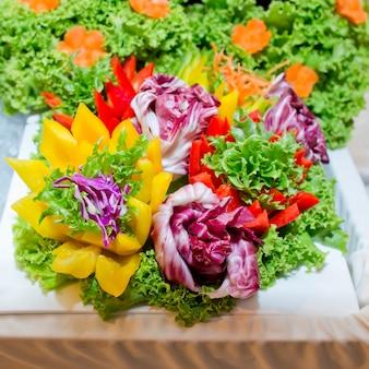 様々な彫刻野菜
