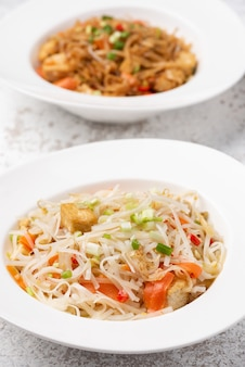 アジアの野菜麺