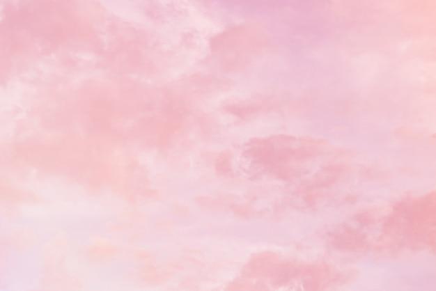 ピンクのパステルカラーの雲の背景
