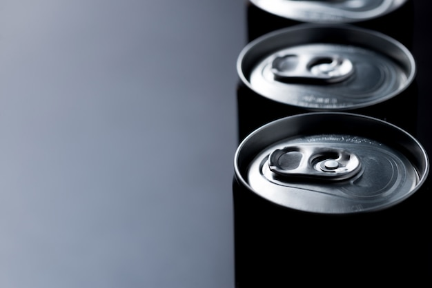 低キーまたは暗い抽象的な缶詰の背景