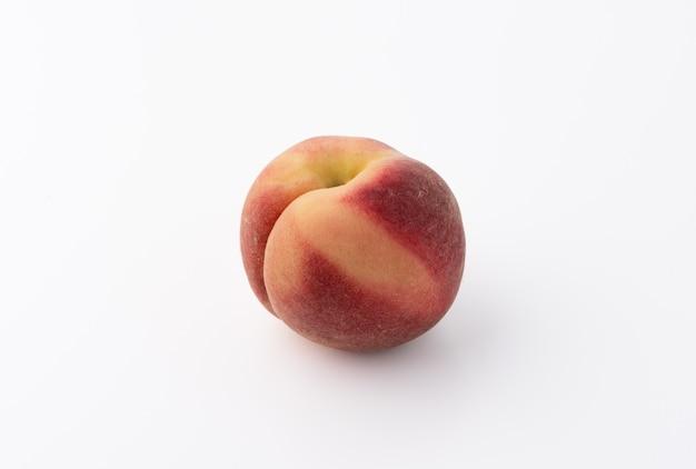 孤立した白桃