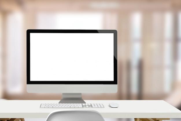 ロフトのモックアップデスクトップコンピューターとワークスペースデスク