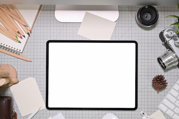 アーティストのクリエイティブデザイナーのワークスペースとコピースペース