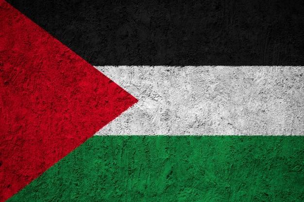 コンクリートの壁にパレスチナの国旗を塗った