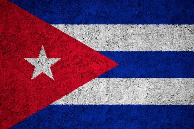 コンクリートの壁にキューバの国旗を描いた