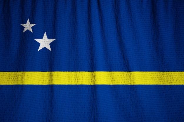クローズアップキュラソー旗、風に吹くキュラソー旗の拡大