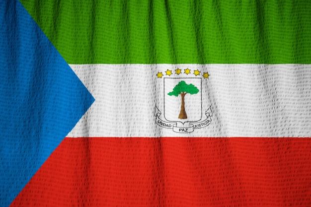赤道ギニアの旗、赤道を吹き飛ばしている赤道ギニアの旗