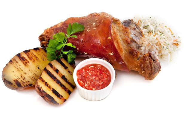 ジャガイモとザウアークラウトの豚肉ロースト