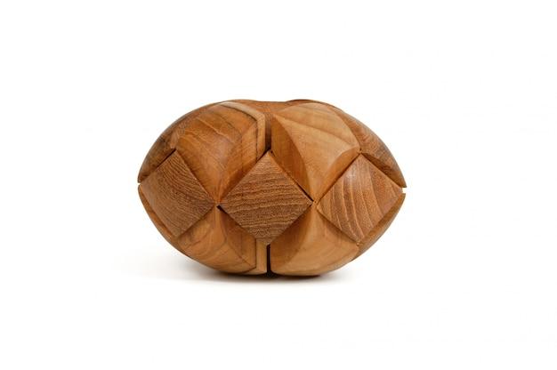木製のパズルが欠場する