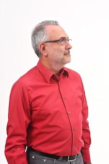 白い背景の上の男の肖像
