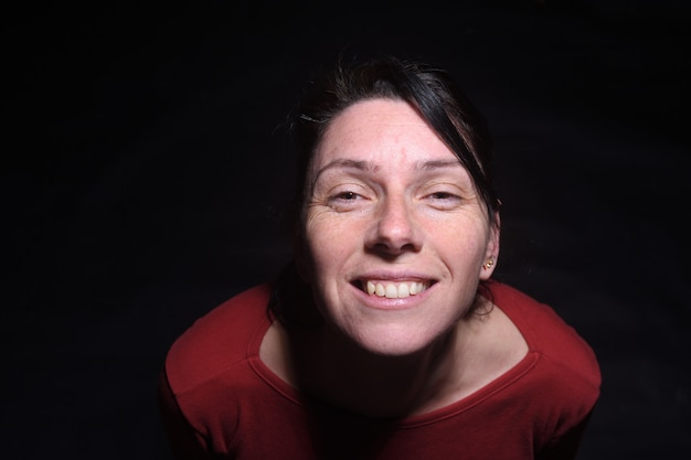 中年の女性トップビューの肖像画