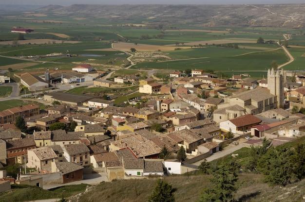 Деревня кастройерис, бургос, провинция, кастилия и леон, испания,