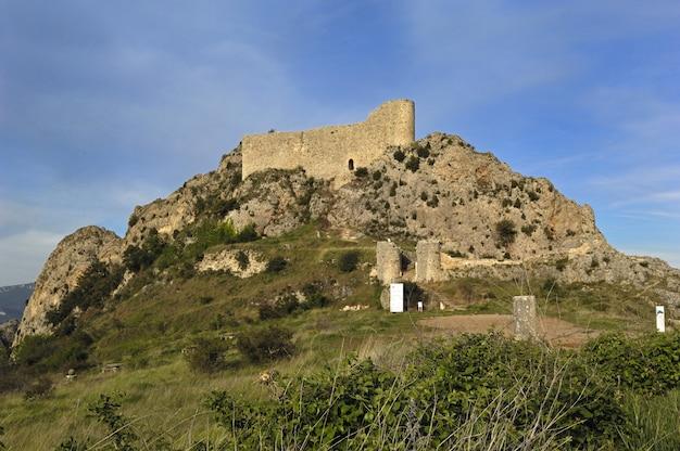 Замок лас рохас, ла буреба, провинция бургос, кастилия-леон, испания