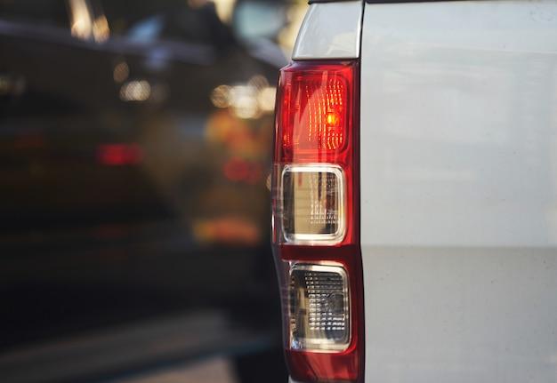 交通旅行で別の車の信号に使用するライトのミニトラックターンのリアランプ