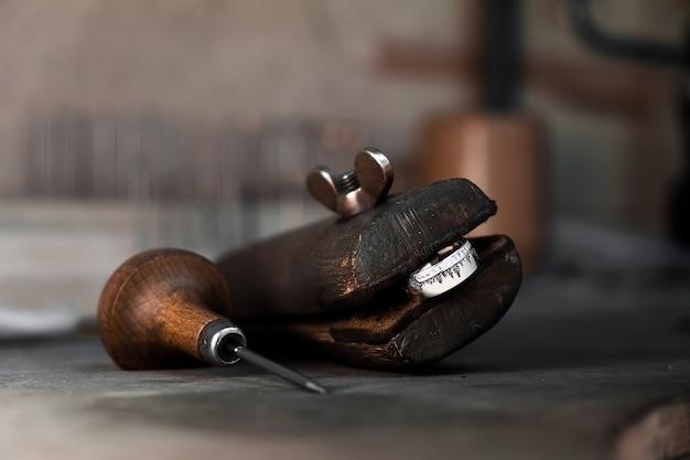Держатель кольца голдсмит