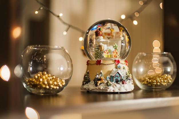 クリスマスのインテリア装飾。ガーランドのクリスマスライト。