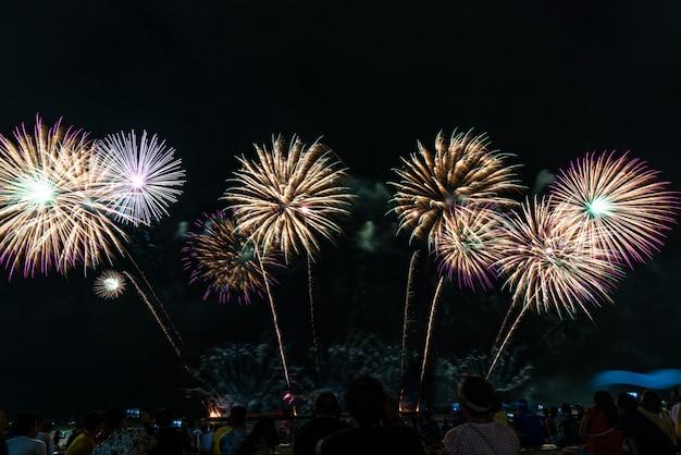 タイ、パタヤの花火大会