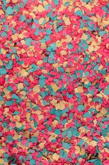 Смешанное красочное конфетти