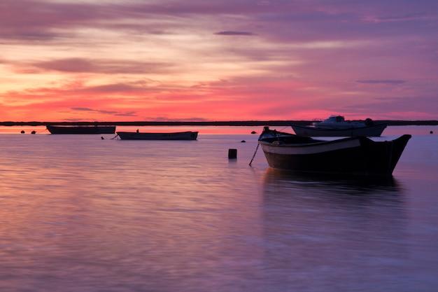 漁船との日の出
