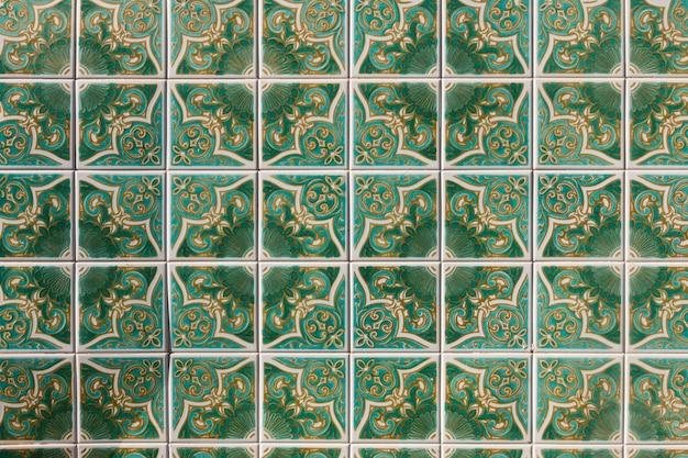 緑のアズレージョのアートワーク