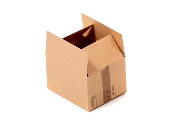 Классическая картонная коробка