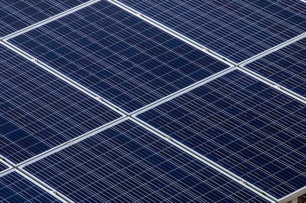 Поле солнечных батарей