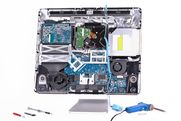Компьютер для ремонта и инструментов
