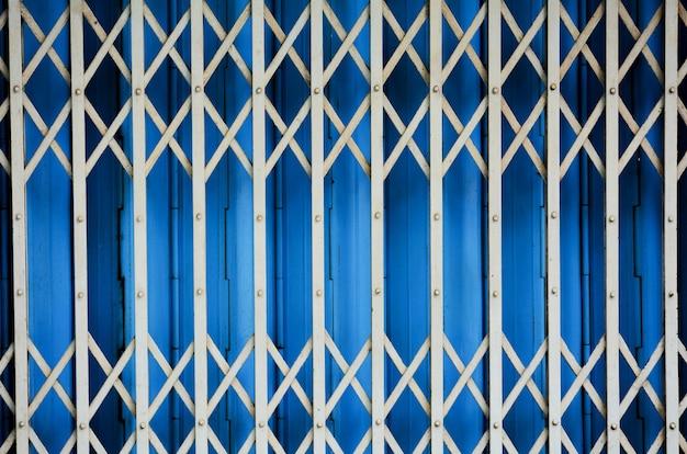 ビンテージグレーメタルスライドドア
