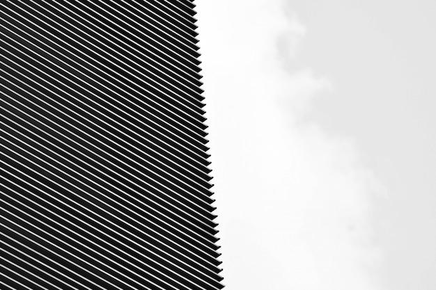 モダンな建物で通気孔の壁パターン