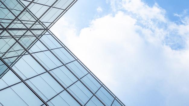 ガラス窓の幾何学の建築。