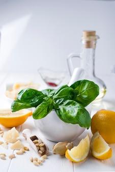 Ингредиенты соусов песто