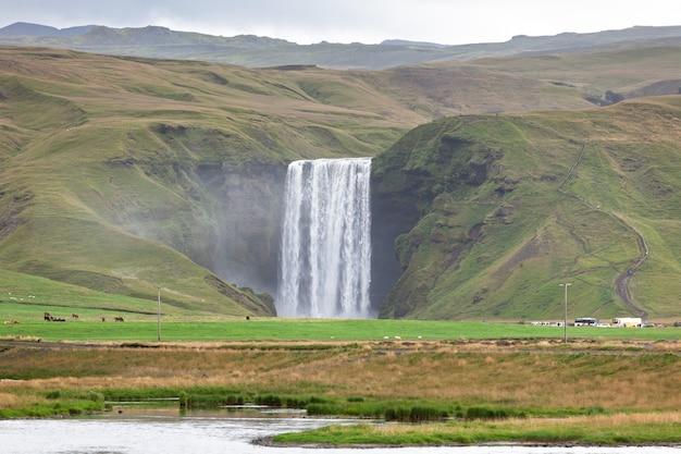 アイスランド、スコガフォスの滝