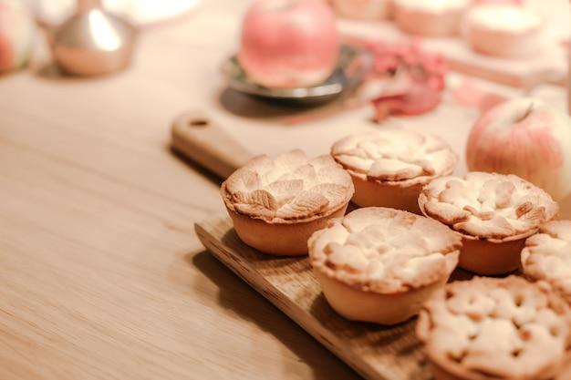 Осенние благодарения традиционные домашние яблочные пироги