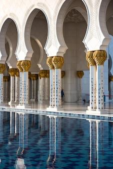 アブダビのシェイクザイードホワイトモスク
