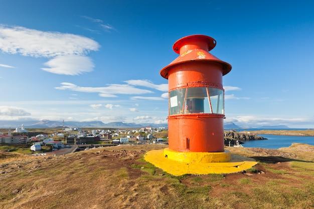 Красный маяк над стиккисхольмуром, исландия