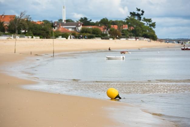 Песчаный атлантический пляж