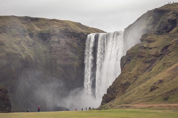 Водопад скогафосс, исландия