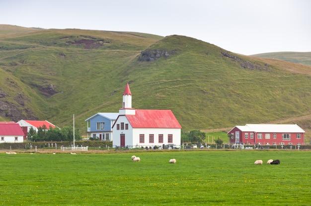 Сельская исландская церковь