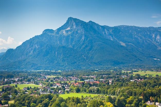 Вид на австрийские альпы под зальцбургом